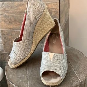 Toms wedge- size 9.5